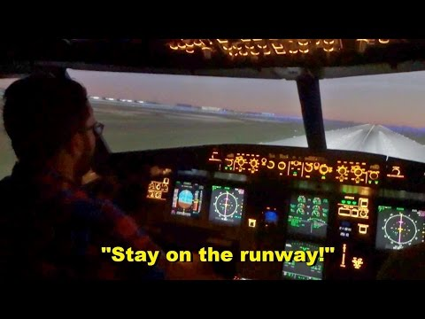 Private Pilots Attempt to Land an AIRLINER (Airbus A320 Full-Motion Simulator)