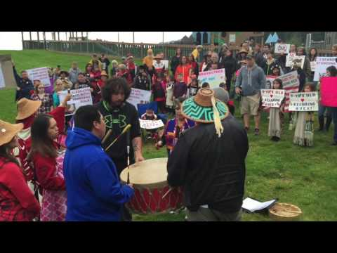 Juneau residents rally behind Standing Rock Sioux Tribe