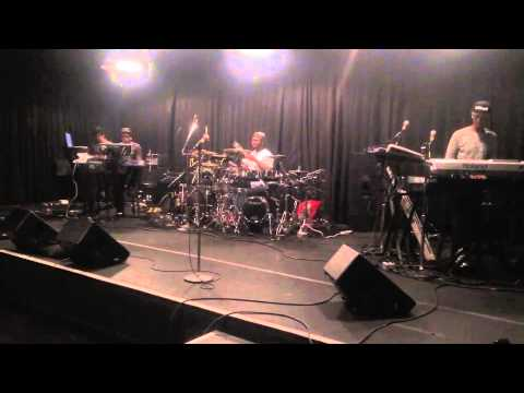 A old clip of Keyshia Cole band rehearsal, playing