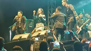 Download duet mantap  Happy Asmara feat percil cs live kaliboto part  ³