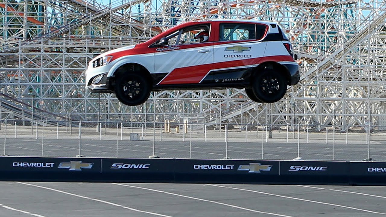 Download ► The farthest reverse ramp jump by a car - GUINNESS WORLD RECORDS - Chevy Sonic