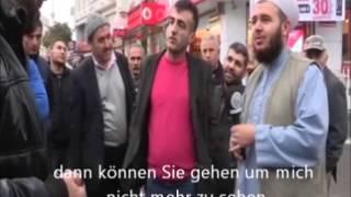 Türkei: Ein Mann fühlt sich gestört durch ein Muslim