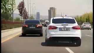 Hande Fırat'ın polis eskortu ile gezmesi