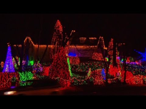 Virginia Man Decorates Home With 350K Christmas Lights