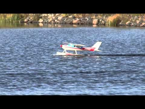 Cessna 177 Cardinal - On Floats