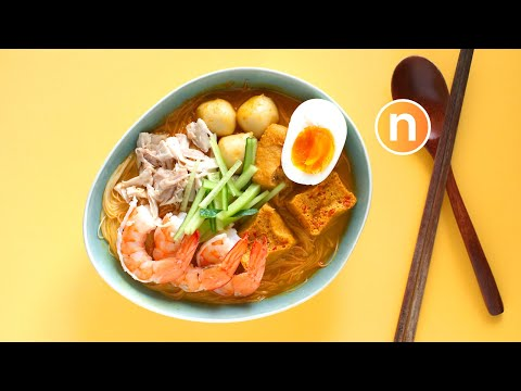 Laksa Lemak | Malaysian Curry Noodles with Coconut Milk | Nyonya Laksa [Nyonya Cooking]