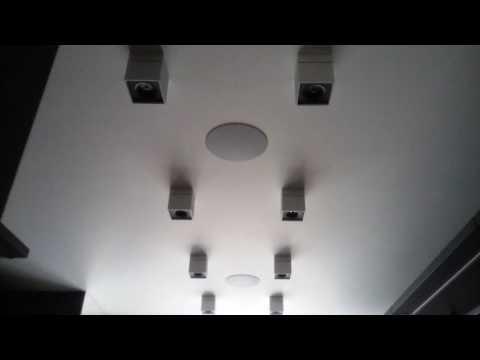 Зеркальный коридор в двухъярусной квартире, электромонтажные работы