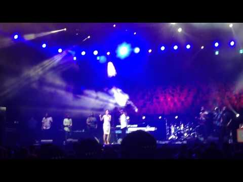 Lean on me-kirk franklin live in seoul 2014