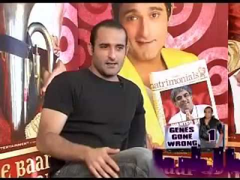 Akshaye Khanna cant fit into fathers shoes