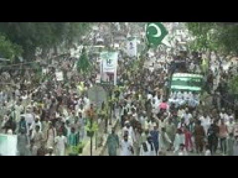 2,000 protest against India in Lahore