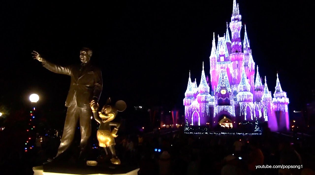 2013 christmas decorations at the magic kingdom walt disney world youtube