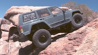 Axial AX90047 SCX10™ II 2000 Jeep® Cherokee 1/10th Scale Electric 4WD – RTR