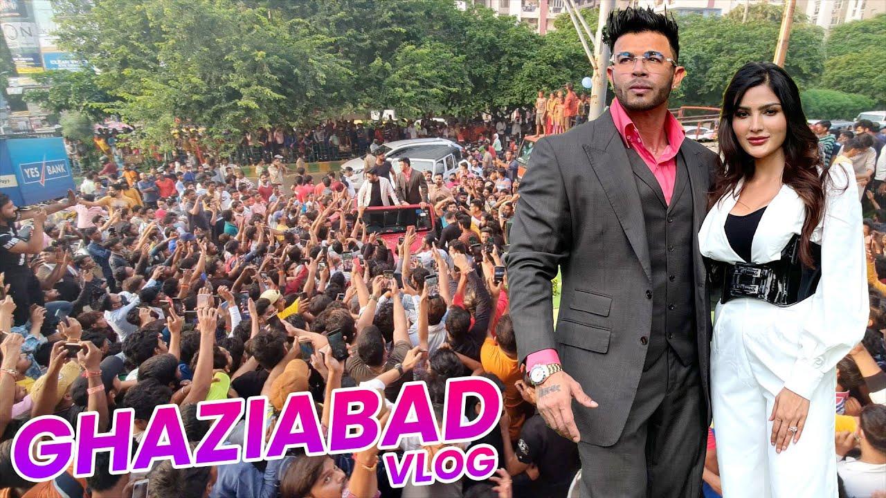 Crowd Dekh Kar Sanjana Singh Darr Gayi ! My Delhi / Ghaziabad Lovers #DelhiNCR #Ghaziabad