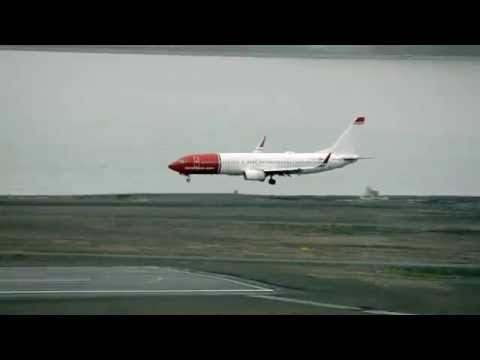 Norwegian flight into Longyearbyen Airport