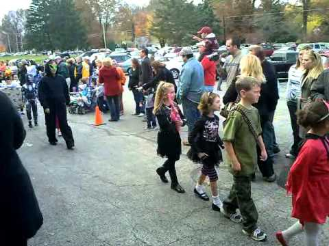 Halloween Kids Parade 2010: Boardman, Ohio: West Blvd Elementary School