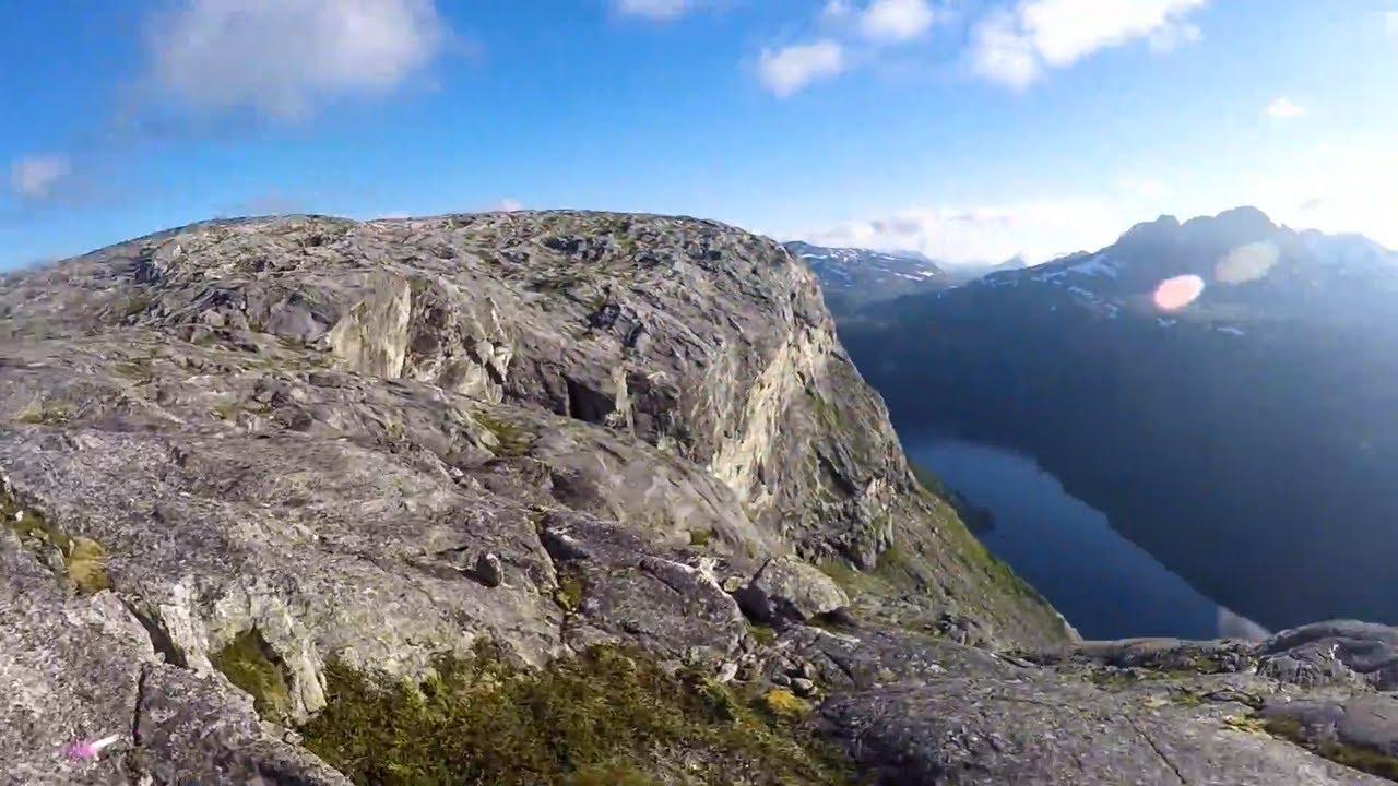 Mountain cliff hiking to Børnupen