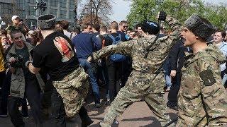 «Навальный — нормальный мужик»: казак с Пушкинской площади о потасовке 5 мая
