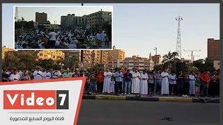 اهالي حلوان يؤدون صلاة العيد بالساحة الشعبيه بميدان الهشدا