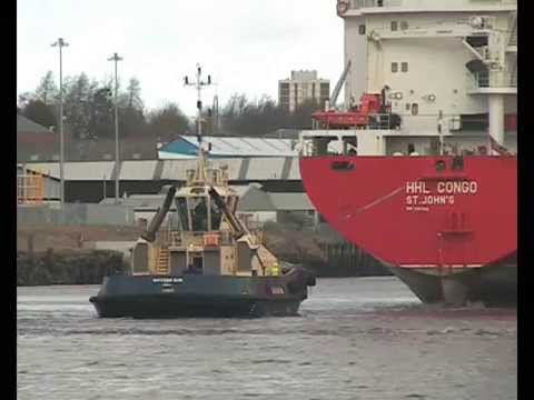 Hansa Heavy Lift Ship HHL Congo arrives on the River Tyne 3rd March 2015