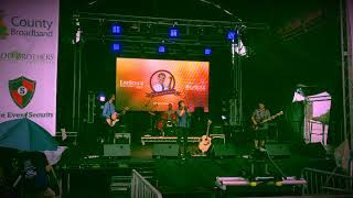 Stray ~ Grace Vanderwaal ~ Cover by Phoebe Austin and Band LIVE at LeeStock