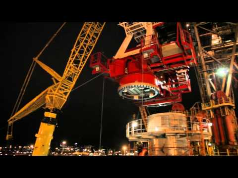 06 Ensco DS1 - Heavy Lifts and Installation of Crane no. 2