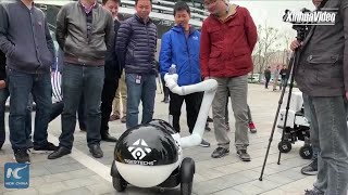 Baixar Chinese firm develops robot with dexterous soft arm