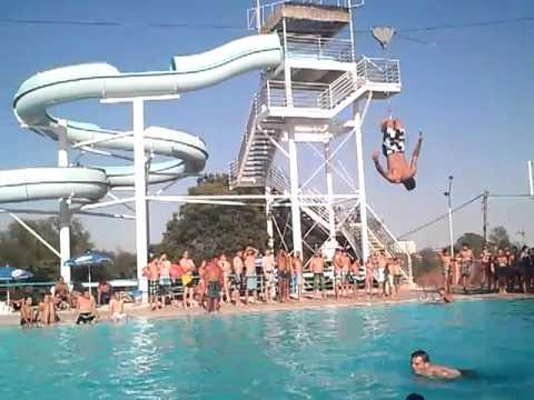 Tirolina isla le n youtube for Isla leon piscina