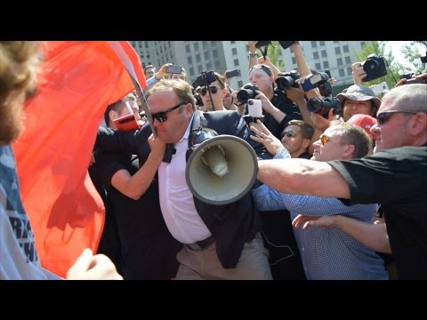 Alex Jones fights with union protesters at Republican National Convention