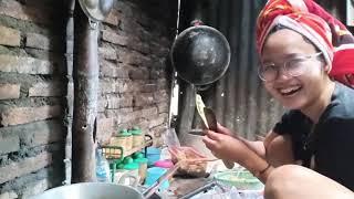Mampir Makan Di Rumahe Paejah Nurma Kdi