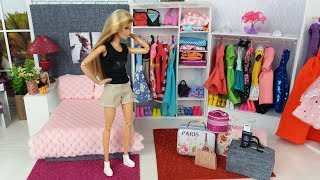 Barbie Packs Her Dolls Bags to go on a Trip!New Doll Clothes Barbie Bedroom Morning Routine @Barbie