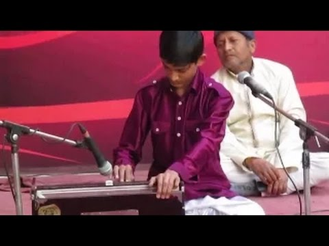 Very Very Very Fast Fingers in Raag Yaman (Part - 2)   Solo Harmonium by Master Nishad