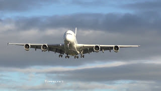 Aircraft on final approach to the worlds busiest airport Long queue