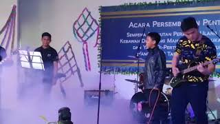 Video Dinshe - Kau yang terhebat (solo cover) download MP3, 3GP, MP4, WEBM, AVI, FLV Mei 2018