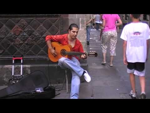 Flamenco Guitar player @ le Cathedral, Barcelona 2009