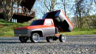 Cover images R/C Lowrider truck w/hydraulics......driving around