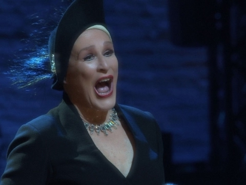 Glenn Close returns to Broadway's 'Sunset Boulevard'