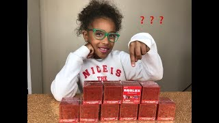 ROBLOX SERIES 4 UNBOXING AND TOYS REVIEW MYSTERY RED BOXES
