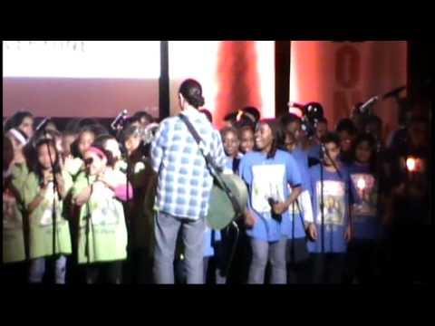 Matt Damon, Matisyahu & PS22 Chorus at ONEXONE Fundraiser!!