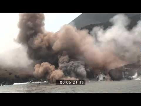 EarthUncutTV's Most Amazing Volcano Eruption Footage Shots!