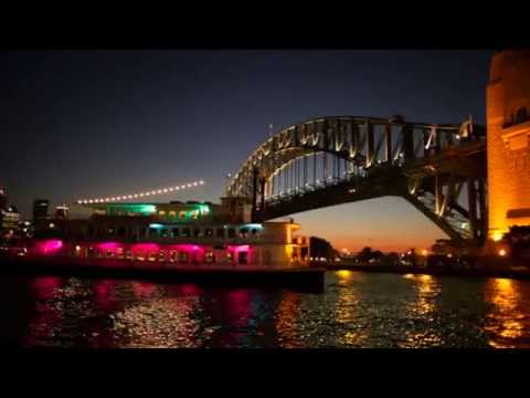 Sydney Showboats - Spectacular Dinner Cruise on Sydney Harbour