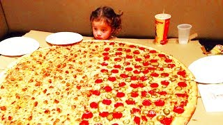 Top 10 Biggest Pizza You Can Order