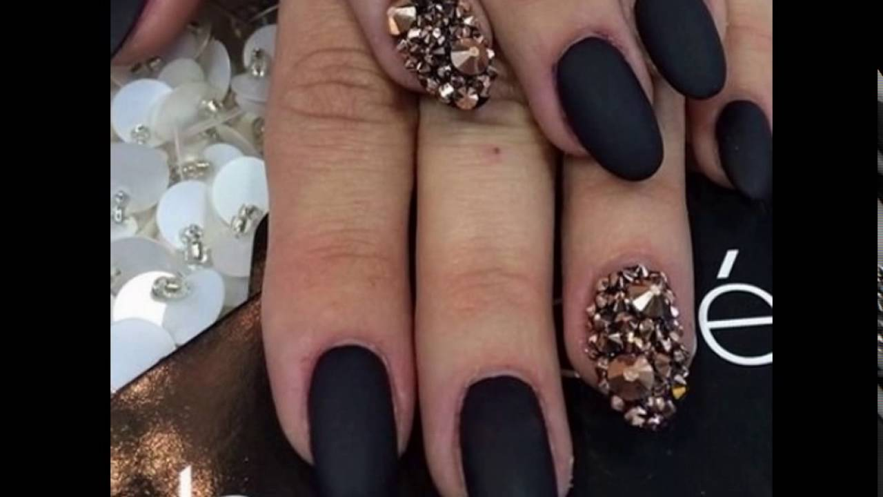 Elegantes uñas color negro - YouTube