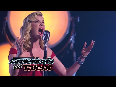 """Emily West: Seductive Songstress Sings """"Who Wants to Live Forever""""- America's Got Talent 2014"""