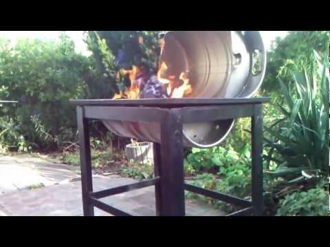 grill aus bierfass selbst gebaut. Black Bedroom Furniture Sets. Home Design Ideas