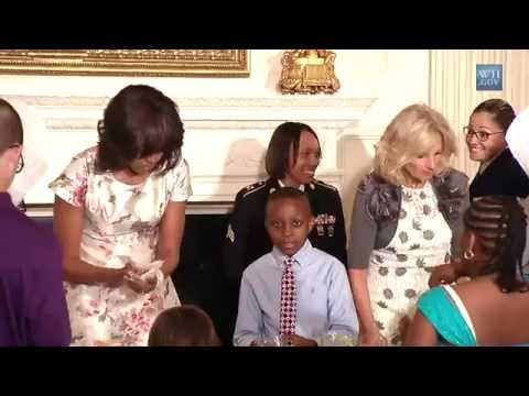 """White House Mother's Day Tea + """"Surprise!' as Prince Harry joins Michelle Obama"""