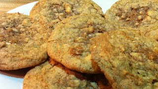 In Keke's Kitchen #39 Crisp & Chewy White Chocolate Chip Oatmeal Cookies