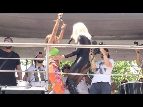 Anitta canta Todo Dia com Pabllo Vittar no BLOCO DAS PODEROSAS RJ