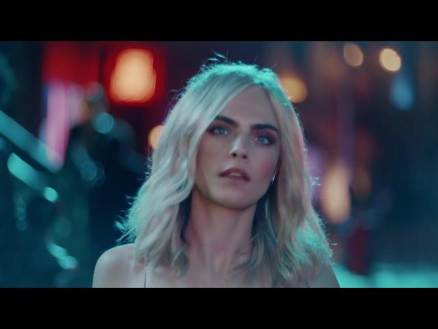 Tachan de sexista un anuncio protagonizado por Cara Delevingne