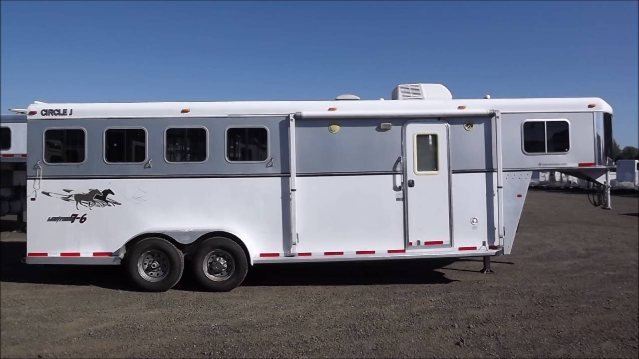 08 Circle J Lightning 7 6ft SW Escape Pass Thru Stud Divider Awning 4 Horse Living Quarters Trailer