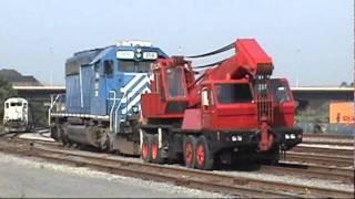 Re-railing a De-reailed SD 40-2, Bethlehem, PA